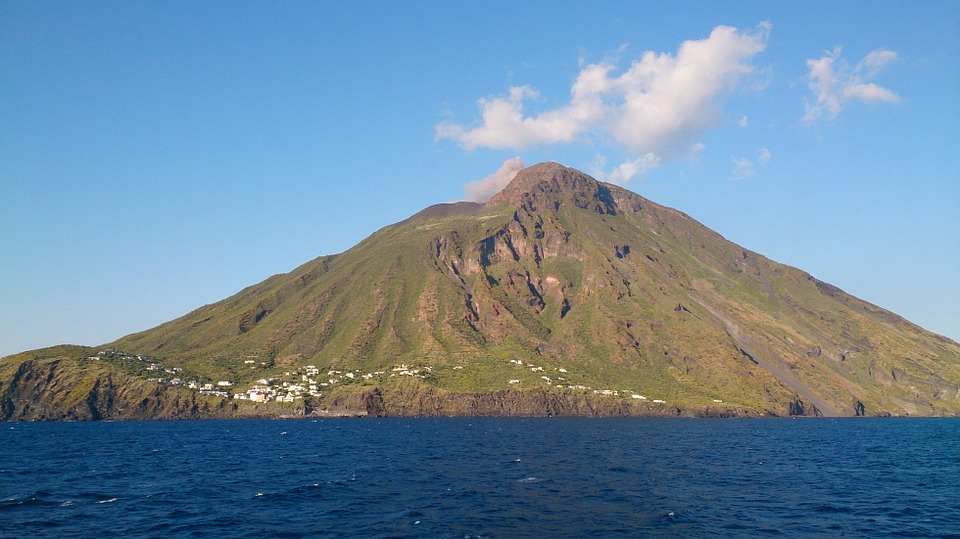 Aeolian Islands: Stromboli - © pixabay user camux