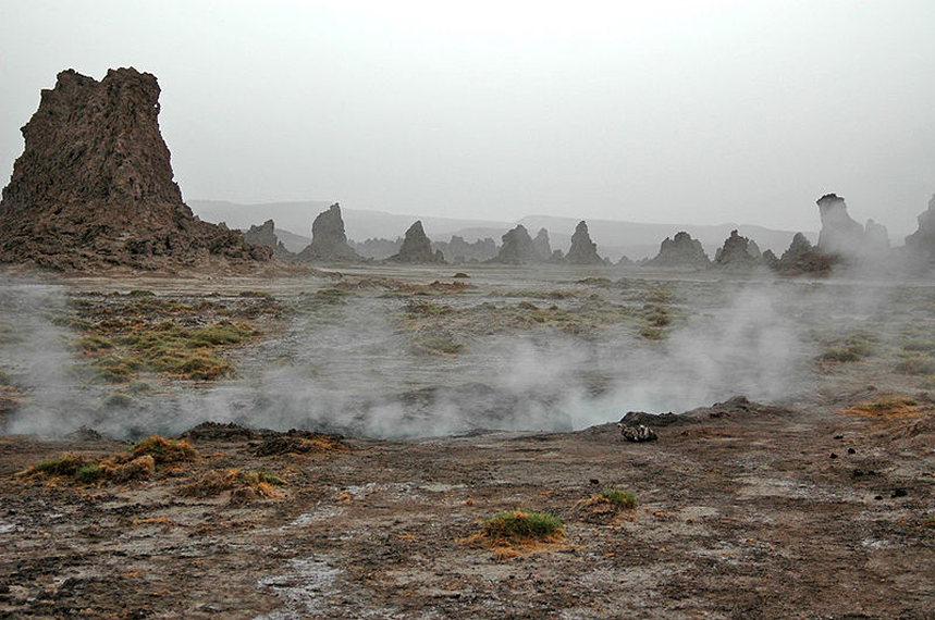 Djibouti: Lac Abbe  - © Wikicommons user Rolf Cosar