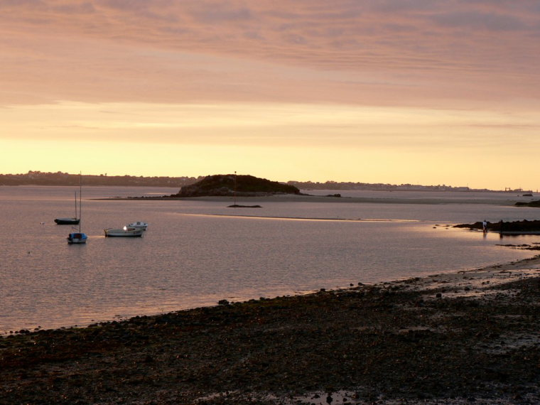 France Brittany, Carantec, Ile de Callot, Sunset at Carantec, Ile Callot, Walkopedia