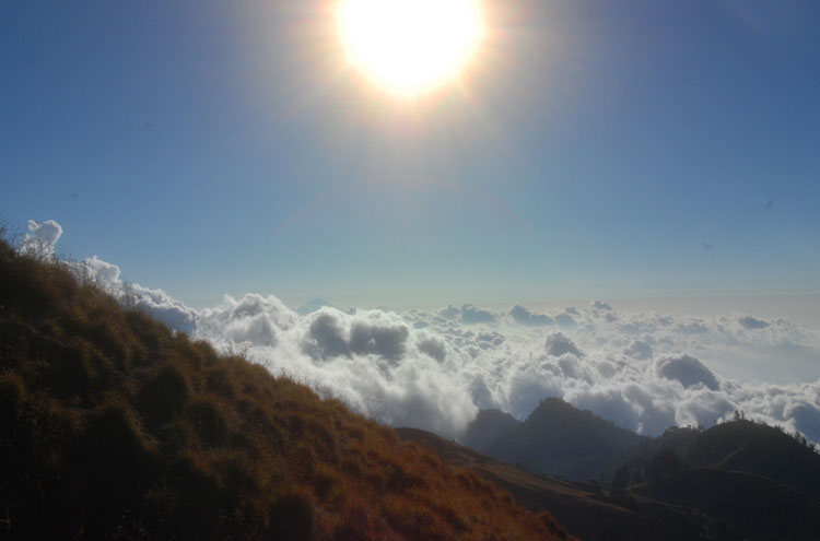 Mount Rinjani: Mount Rinjani Trip -fom Flickr user Habi