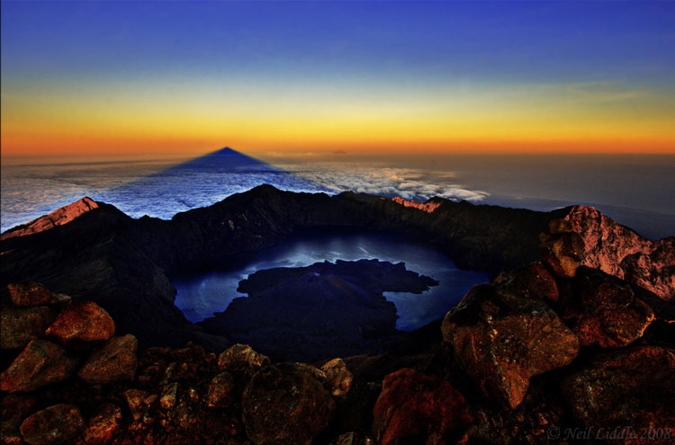 Gunug Rinjani Summit - ? From Flickr user NeilsPhotography