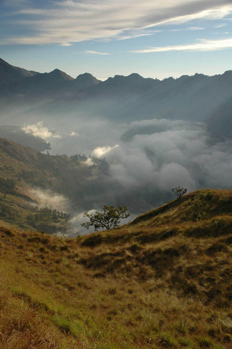 Rinjani Photo Traveler's Note - ? From Flickr user Sektordua
