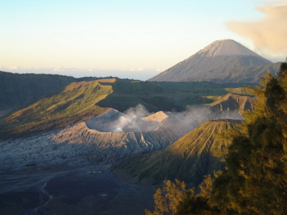 Bromo foreground, Semeru background - © Flickr user - Java Tourism