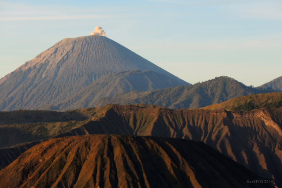 Mt Semeru erupting  - © flickr user- Alex Drainville
