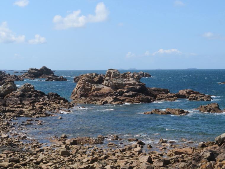 France Brittany, GR34, Cote de Granit Rose, Pointe de chateau, Walkopedia
