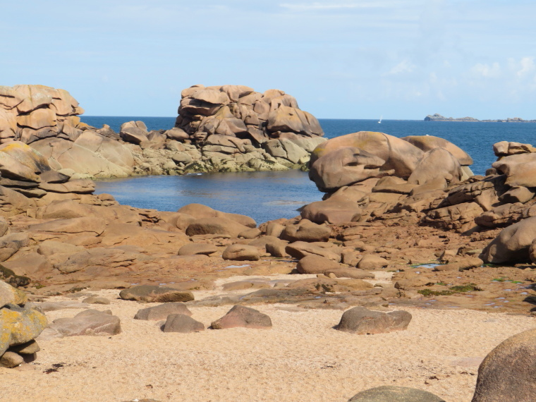 France Brittany, GR34,  Cote de Granit Rose, S d Douaniers, Walkopedia