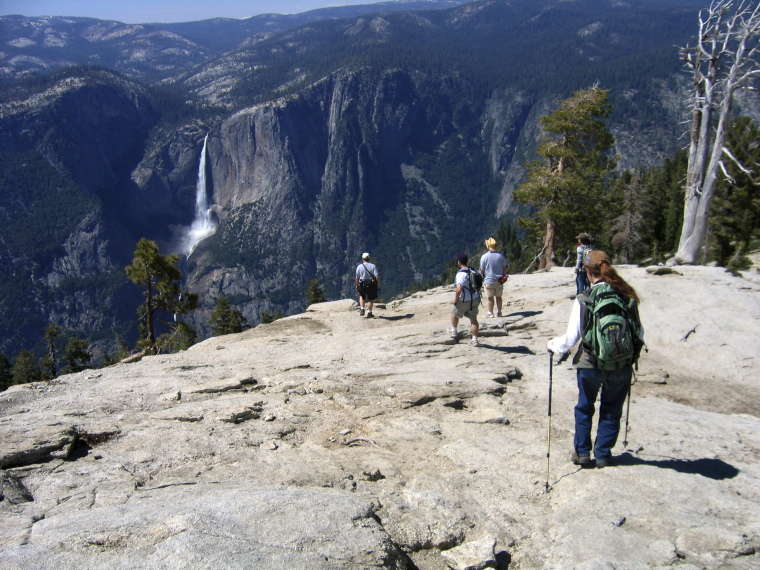 USA California Yosemite, Off Glacier Point Road , Yosemite Falls from Sentinel Dome, Walkopedia