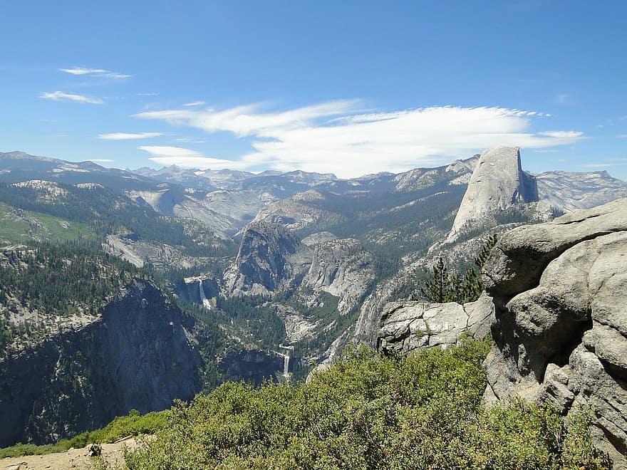 USA California Yosemite, Half Dome, , Walkopedia