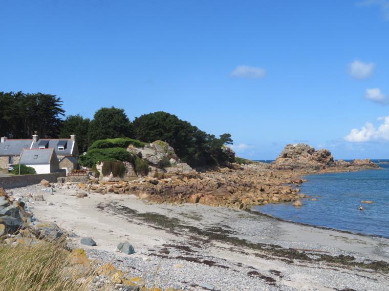 Brittany: Cote de Granit Rose - Pointe de chateau - © William Mackesy