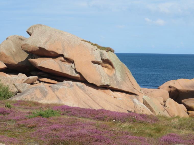 Brittany: Cote de Granit Rose - © S d Douaniers