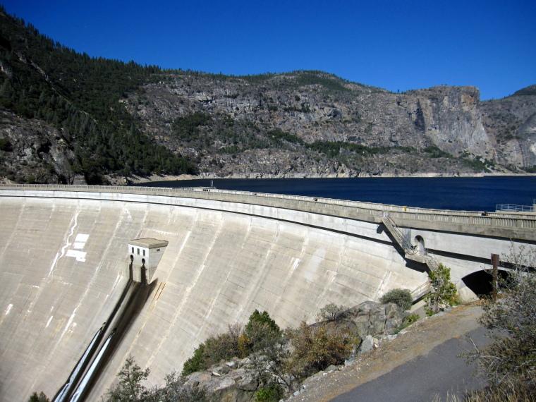 USA California Yosemite, Hetch Hetchy Area, Hetch Hetchy Reservoir , Walkopedia