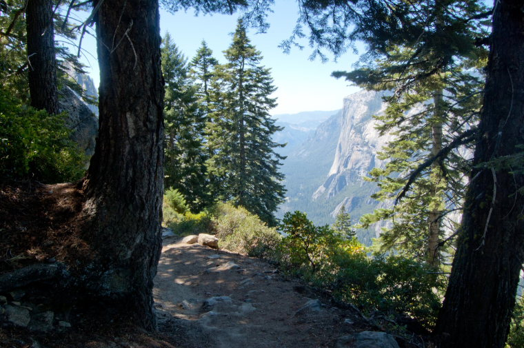 USA California Yosemite, Four Mile Trail, Trail Downhill, Walkopedia
