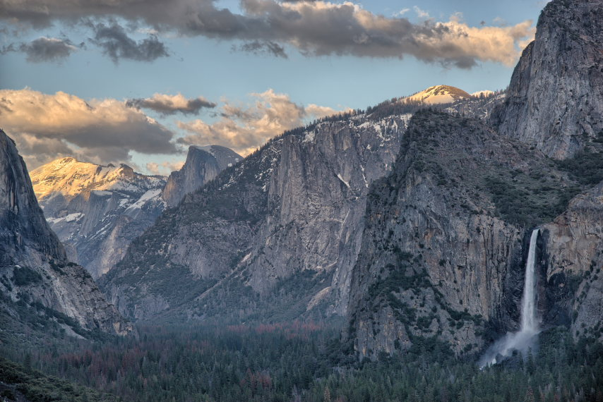 USA California Yosemite, El Capitan, El Capitan, Half Dome and Bridalveil Fall, Walkopedia