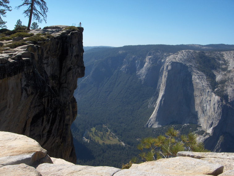 USA California Yosemite, Sentinel Dome and Taft Point, , Walkopedia