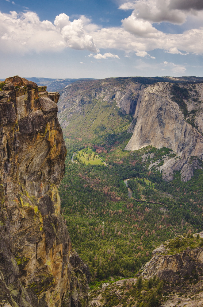 Sentinel Dome and Taft Point: Taft Point - © Flickr user A silly person