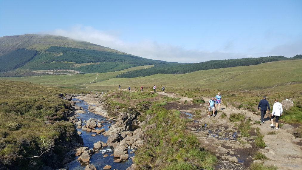 United Kingdom Scotland Isles Skye, Coire na Creiche, You'll seldom walk alone, Walkopedia