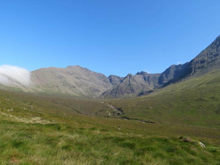 United Kingdom Scotland Isles Skye, Coire na Creiche, Coire na Creiche, afternoon light, Walkopedia