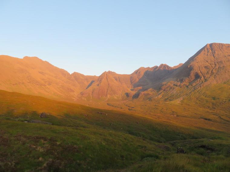United Kingdom Scotland Isles Skye, Coire na Creiche, Coire na Creiche, evening light, Walkopedia