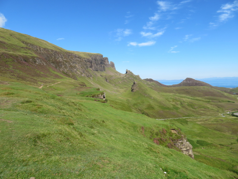 United Kingdom Scotland Isles Skye, Quiraing, Looking north at the Quiraing from near pass, Walkopedia