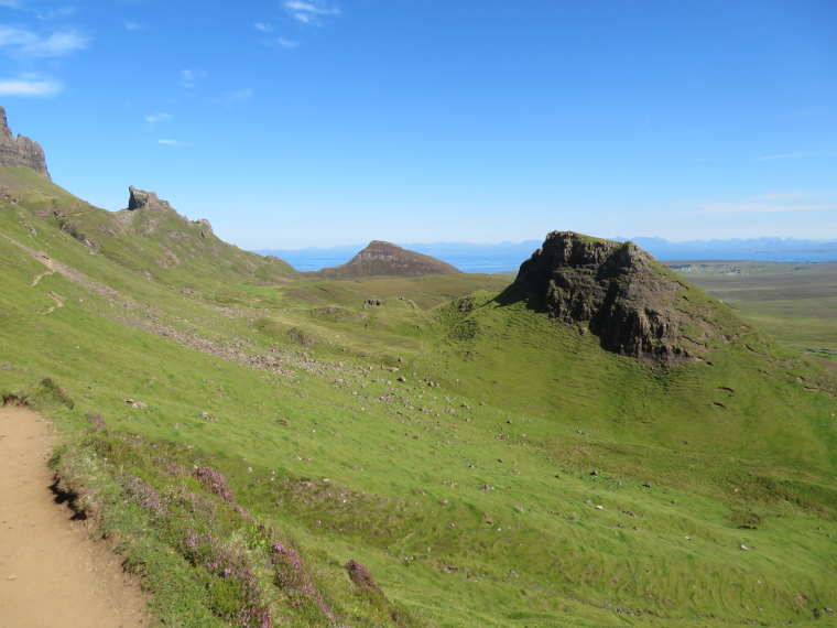 Quiraing: Looking north at the Quiraing - © William Mackesy