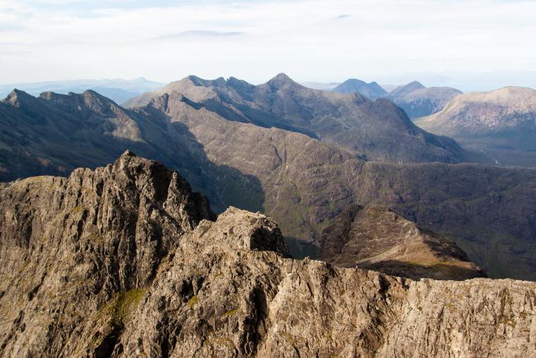 United Kingdom Scotland Isles Skye, Coire Lagan and Sgurr Alasdair, View from Sgurr Alasdair, Skye, Walkopedia