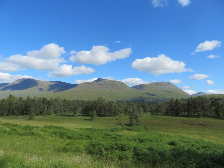 United Kingdom Scotland SW Highlands, Bridge of Orchy to Kingshouse, Rannoch Moor, Back south ove Loch tulla valley, Walkopedia