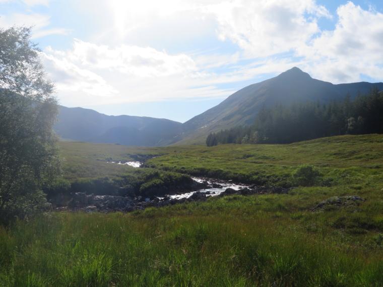 United Kingdom Scotland SW Highlands, Bridge of Orchy to Kingshouse, Rannoch Moor, River Ba, great bowl behind, Walkopedia