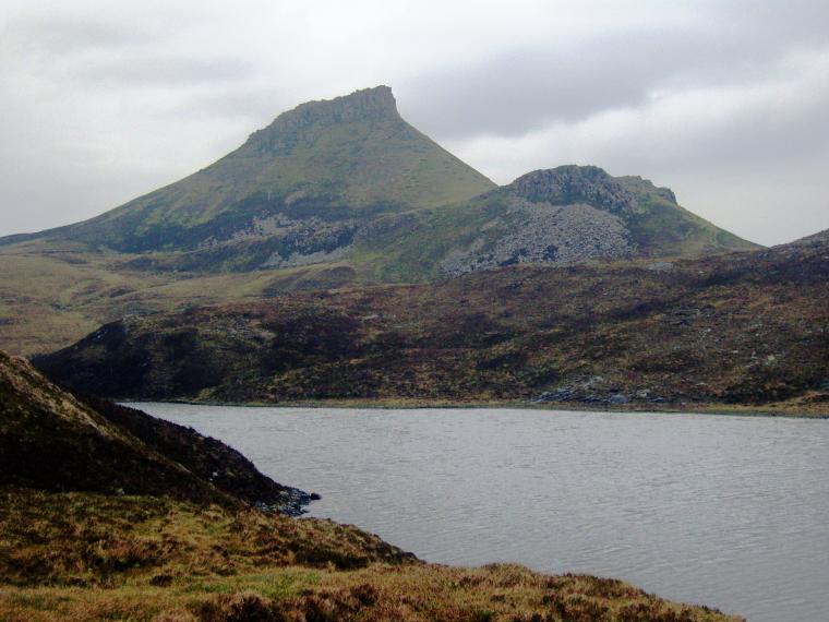 United Kingdom Scotland Isles Skye, Raasay, Dun Caan, on the Island of Raasay, Walkopedia