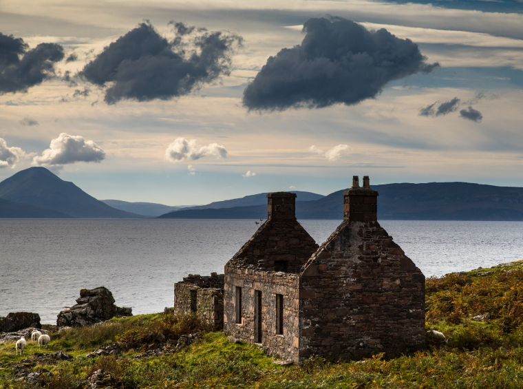 United Kingdom Scotland Isles Skye, Raasay, Looking from Applecross to Raasay and Skye in the distance, Walkopedia
