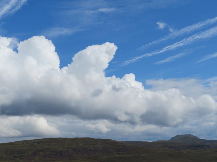 United Kingdom Scotland Isles Skye, NW Capes and Cliffs, Macleod's Table, Walkopedia