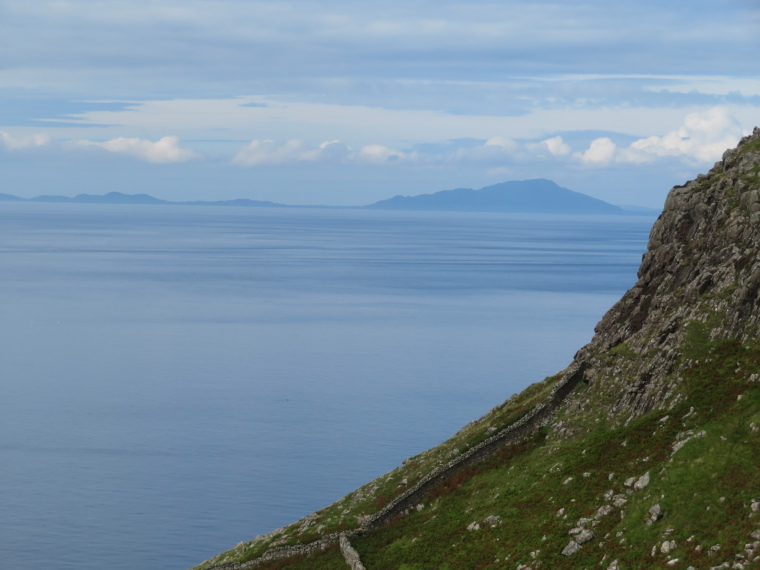 United Kingdom Scotland Isles Skye, NW Capes and Cliffs, Outer Hebrides from Neist Point, Walkopedia