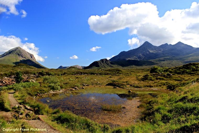United Kingdom Scotland Isles Skye, Glen Sligachan, Looking West up Glen Sligachan, Walkopedia