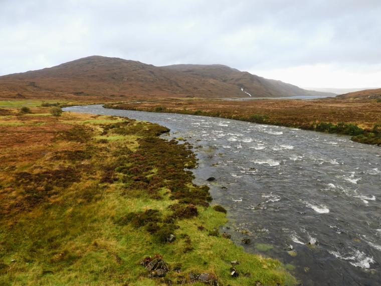 United Kingdom Scotland Isles Skye, Glen Sligachan, River Sligachan entering Loch Sligachan, Walkopedia
