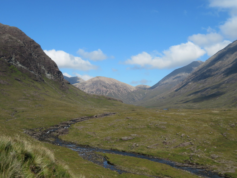 United Kingdom Scotland Isles Skye, Glen Sligachan, Up southern Glen Sligachan from Camasunary, Walkopedia