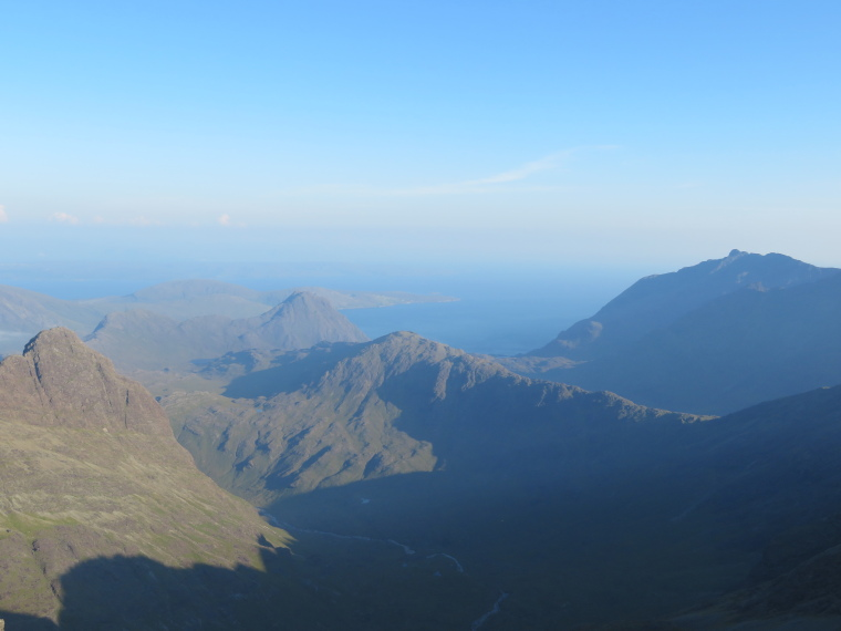 United Kingdom Scotland Isles Skye, Bruach na Frithe, Loch Scavaig, Sgurr na Stri and southernmost Black Cuillin  from Bruach na Frithe, Walkopedia