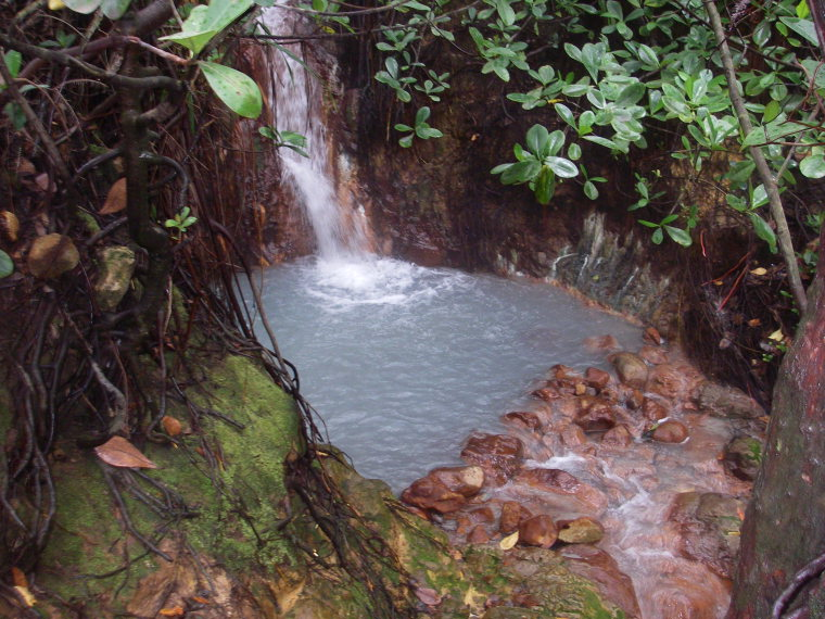 Dominica Carribean, Valley of Desolation, Boiling Lake, Hot Tub in the Valley of Desolation, Walkopedia