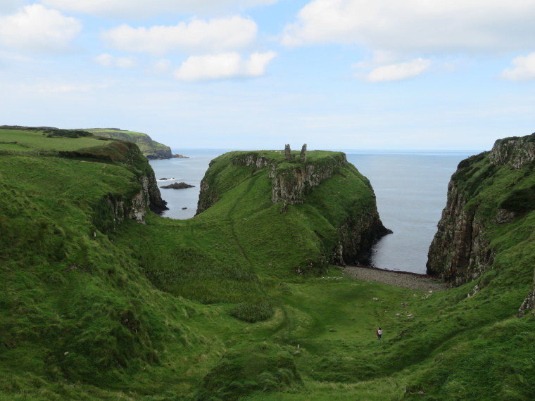 Ballintory to Giants Causeway: Dunseverick Castle - © William Mackesy