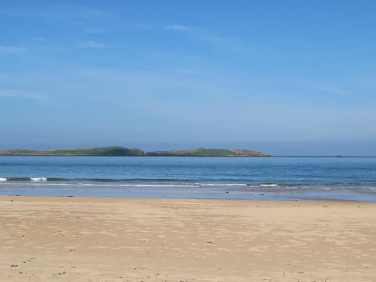 Portstewart to Portballintrae: Skerries from Curran Strand - © William Mackesy