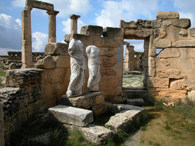 Cyrene: Archaeological Site of Cyrene - © wikipedia commons user Giovanni Boccardi