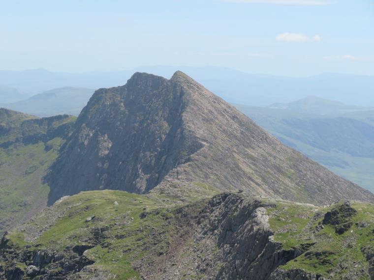 United Kingdom Wales Snowdonia, Y Lliwedd, LLiwedd from Snowdon, Walkopedia
