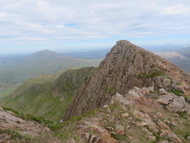 United Kingdom Wales Snowdonia, Y Lliwedd, LLiwedd summit ridge, Walkopedia