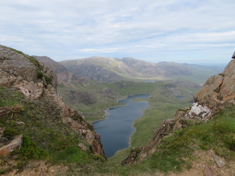 United Kingdom Wales Snowdonia, Y Lliwedd, NE from LLiwedd, Walkopedia