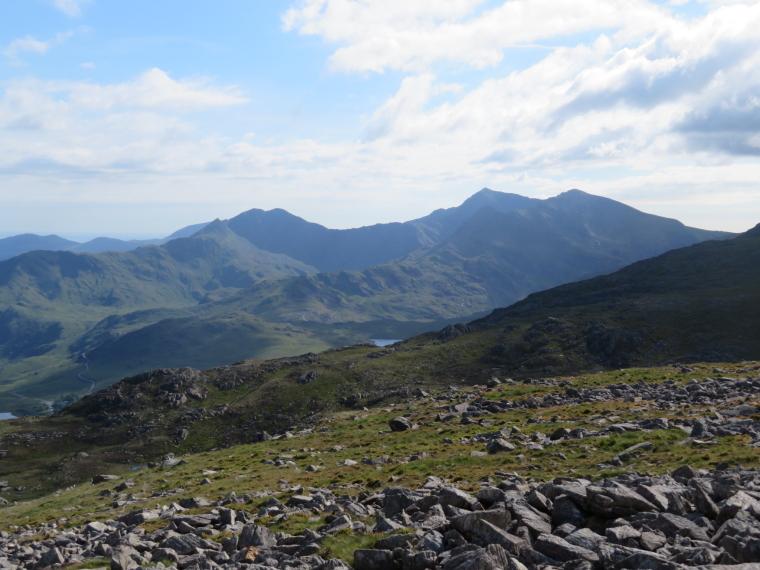 United Kingdom Wales Snowdonia, Y Lliwedd, LLiwedd, Snowdon, Crib Goch below right, from below Glyder Fach, Walkopedia