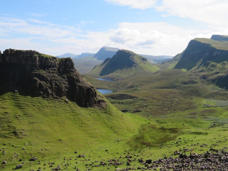United Kingdom Scotland Isles Skye, Isle of Skye, Looking south from Quiraing, Walkopedia