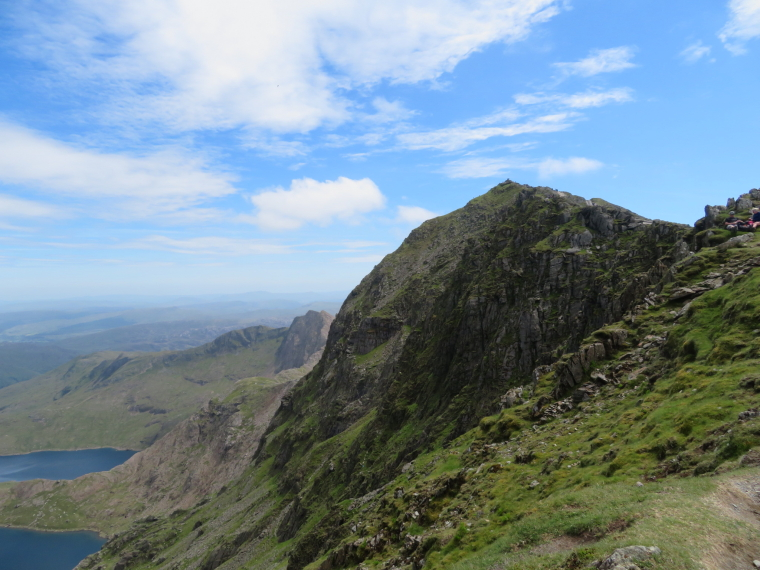 United Kingdom Wales Snowdonia, Miners, Pyg Tracks , Along summit ridge, Walkopedia