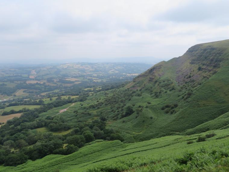 United Kingdom Wales Black Mountains, Black Hill Ridge, The long climb , Walkopedia