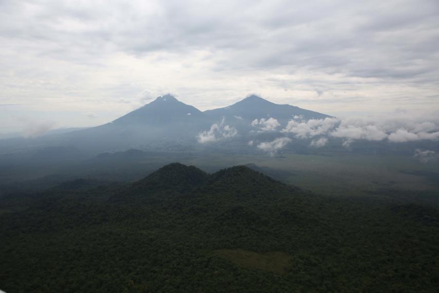 Rwanda, Virunga Mountains, Mount Mikeno (DR Congo) and Mount Karisimbi (Rwanda), Walkopedia