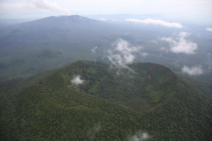 Rwanda, Virunga Mountains, Heart shaped volcano crater c Nyiamulagira volcano, Walkopedia