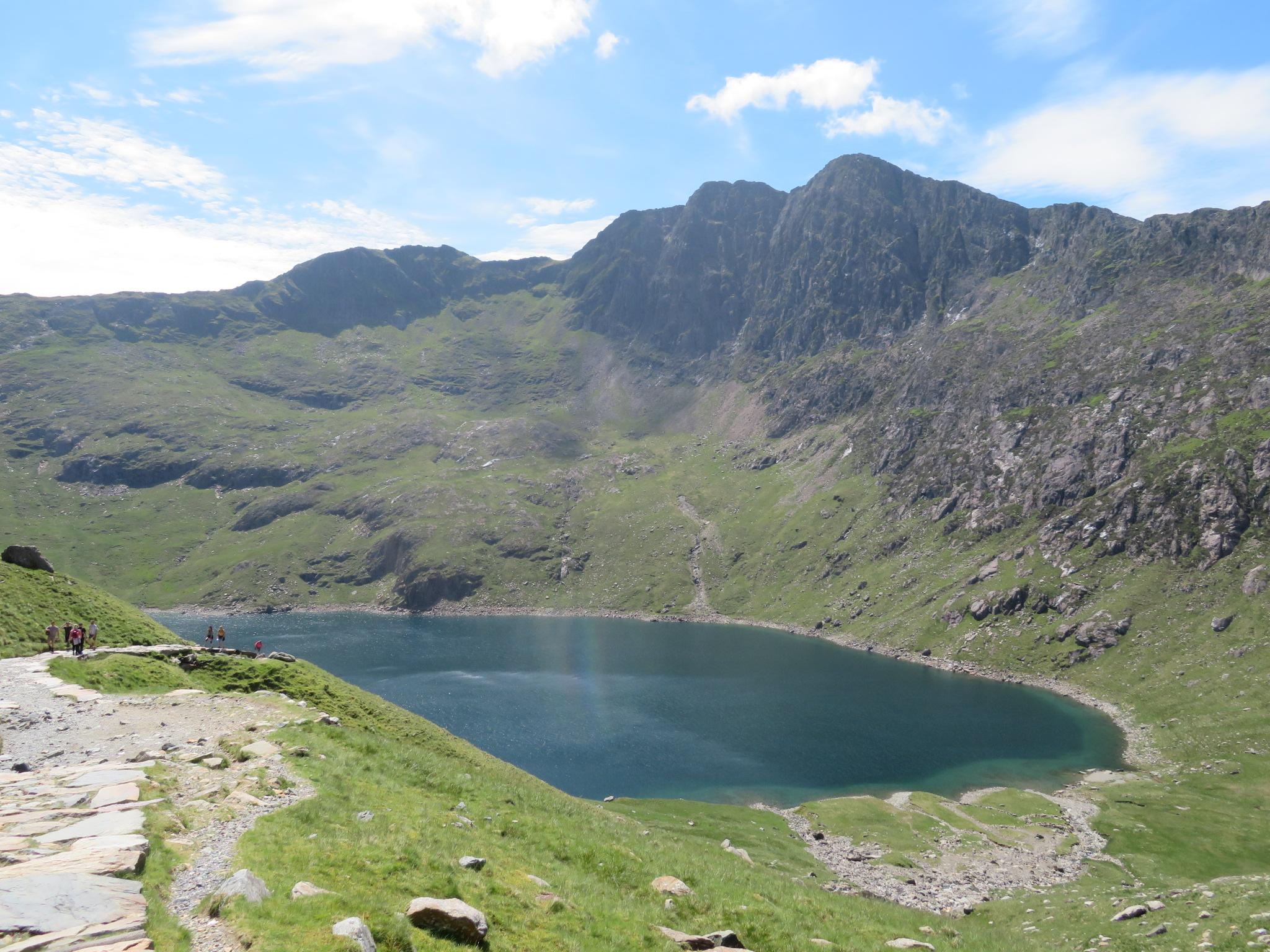 United Kingdom Wales Snowdonia, Snowdon Horseshoe, Miners Track, LLyn LLydaw and jagged LLiwedd, Walkopedia
