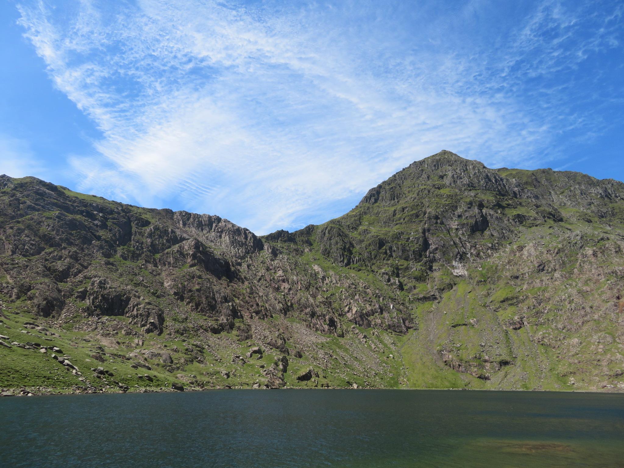 United Kingdom Wales Snowdonia, Snowdon Horseshoe,  Upper tarn, Snowdon behind, Walkopedia